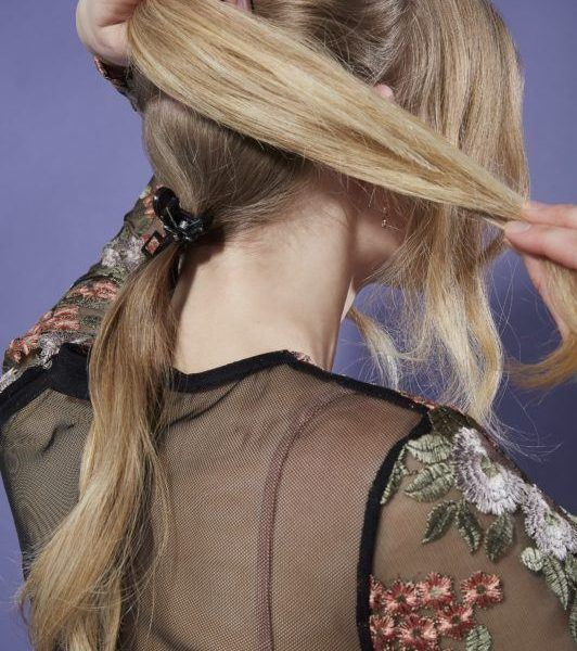 beehive hair: ponytail