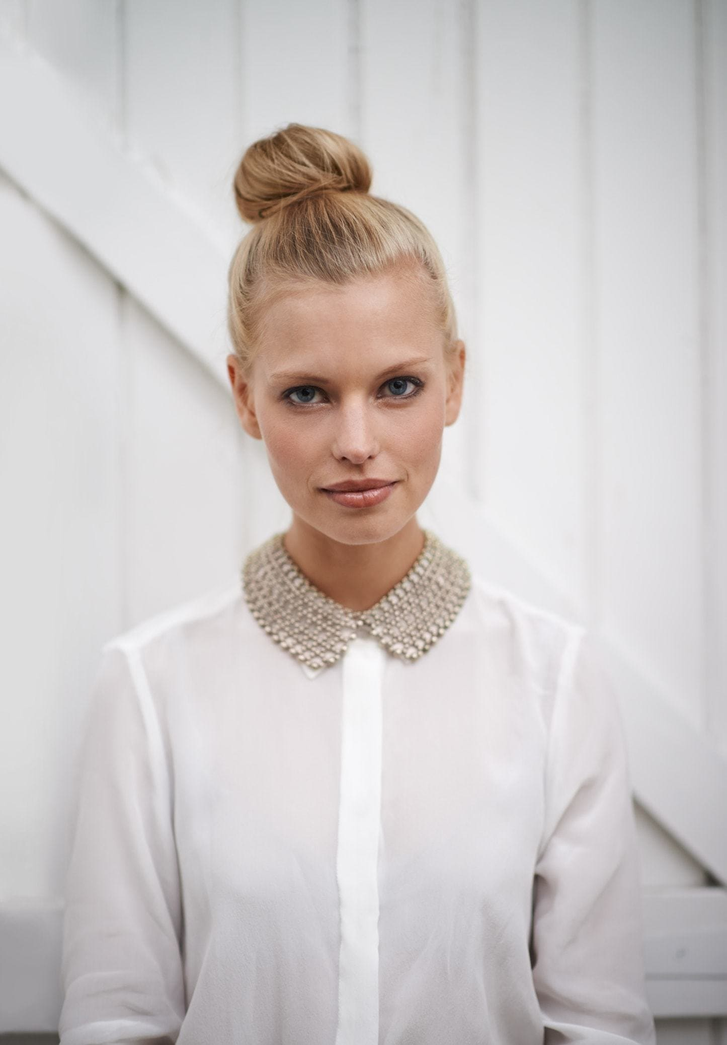 hairstyles for greasy hair ballerina bun blonde