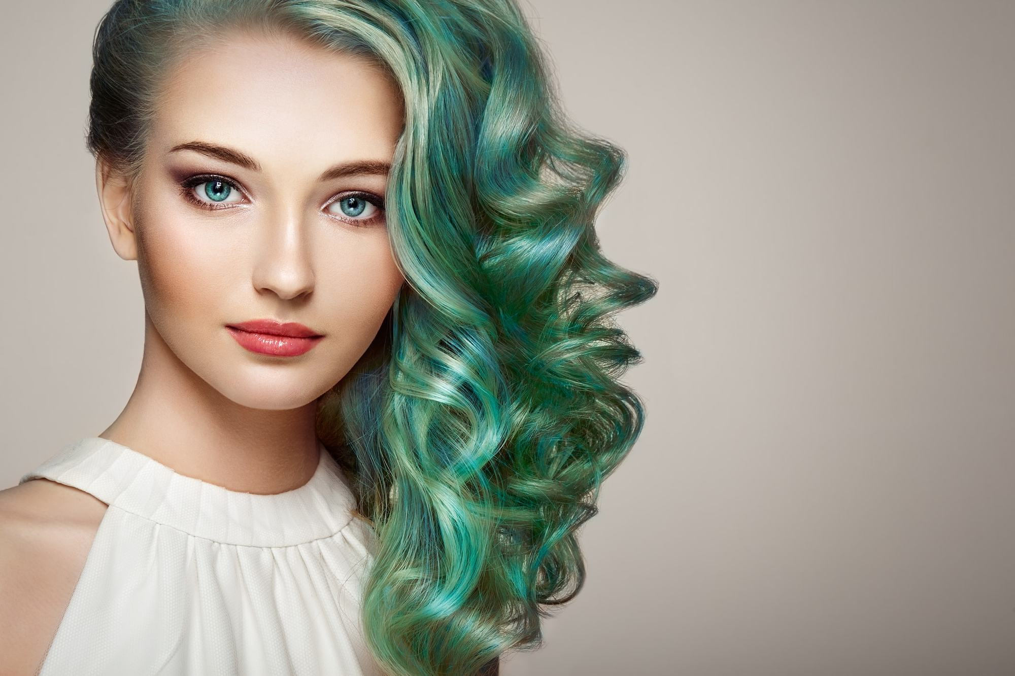 hairstyles for greasy hair mermaid hair pulled over waves