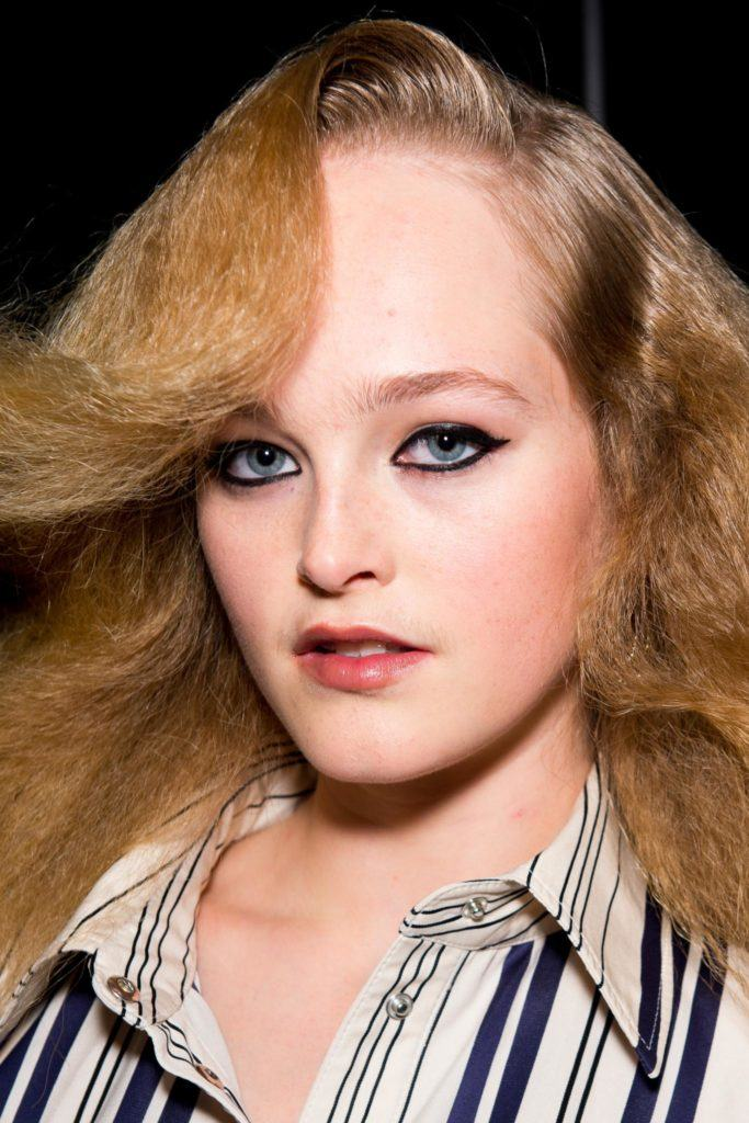 cool hairstyles: brushed out crimps