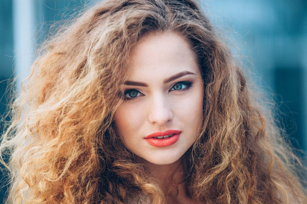 hairstyles for frizzy hair