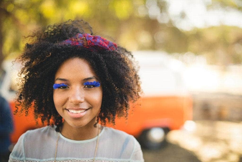 curly hair hairstyles: headbands