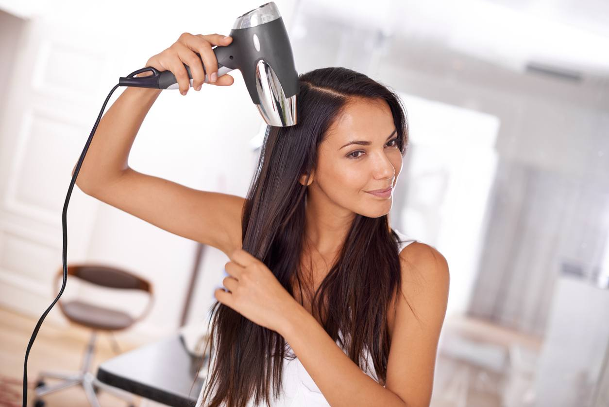 tips to achieve a smooth blowout woman