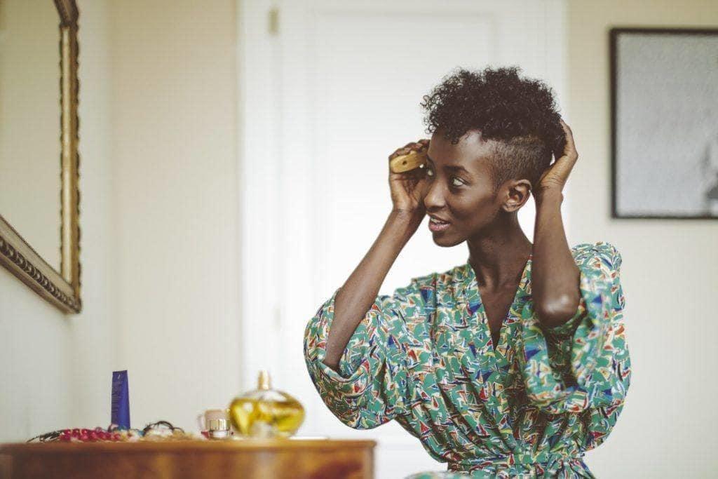 dry shampoo on natural hair: short