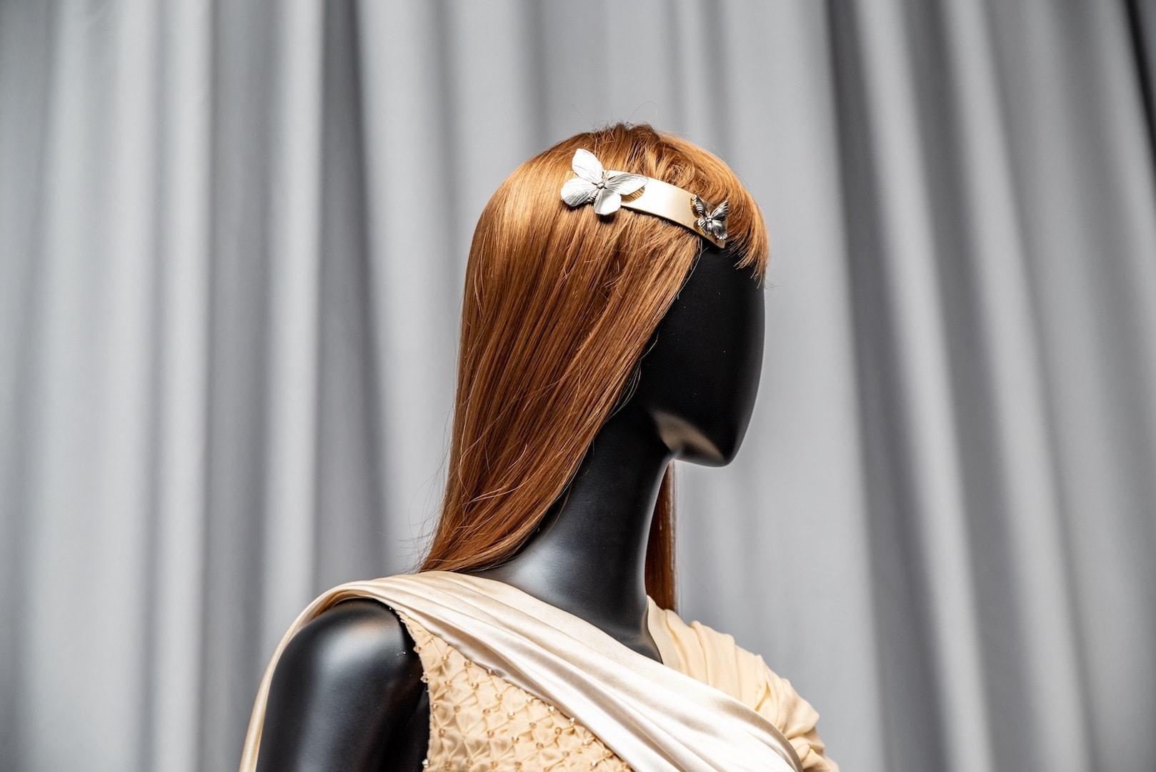 high fashion hairstyles: hair accessories