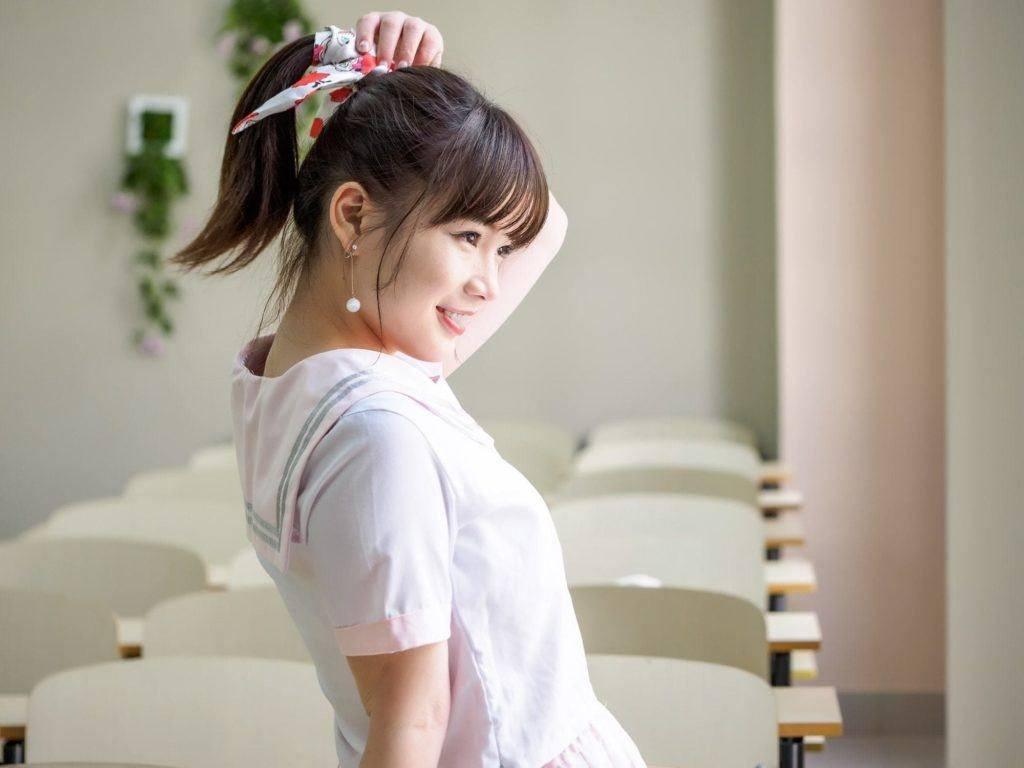 ponytail with bangs sleek bangs