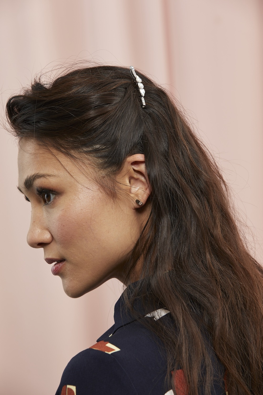 hair barrettes style side view