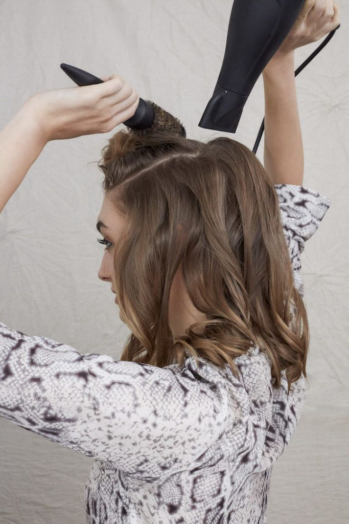 how to blow dry for big bouncy hair: crown