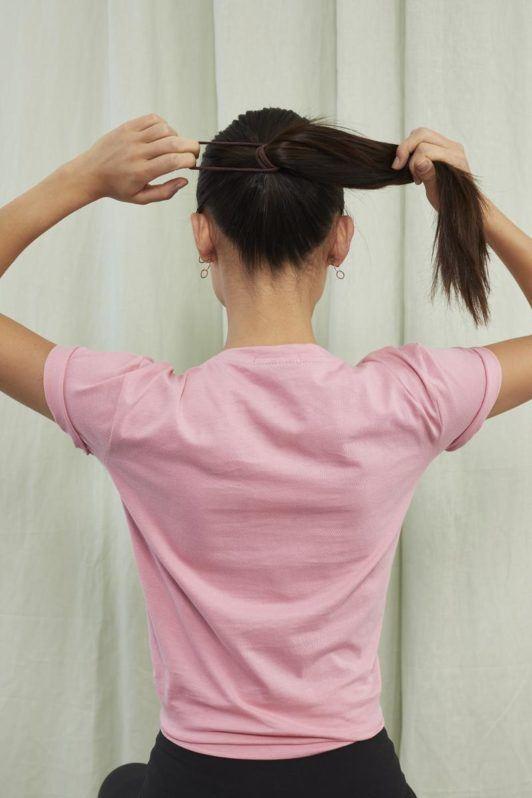 easy ponytail style: ponytail holder