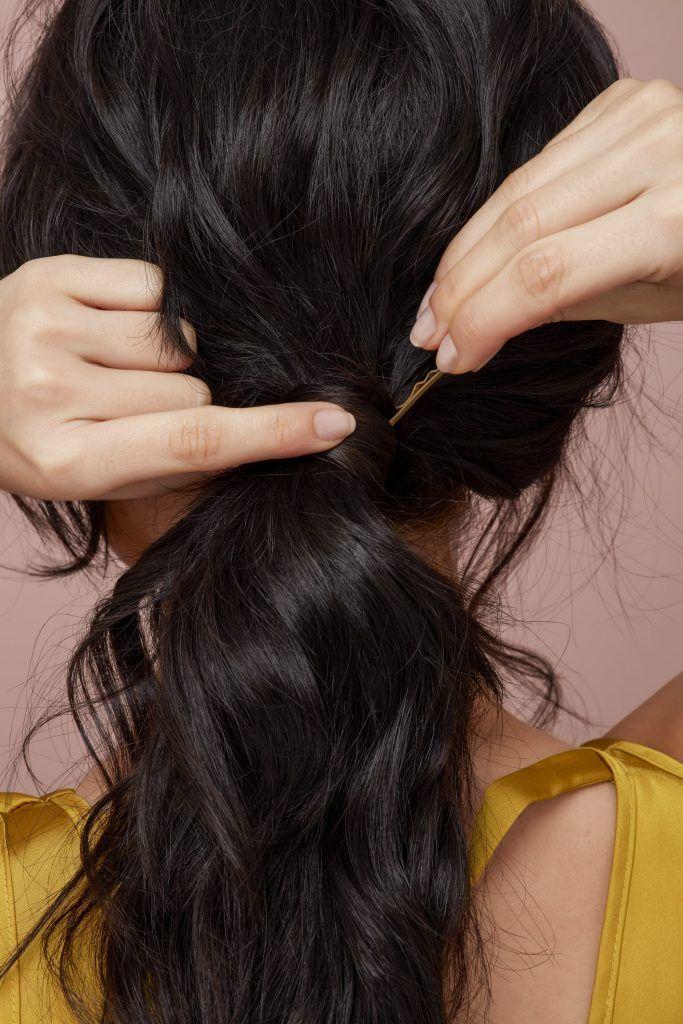 messy side ponytail pin hair