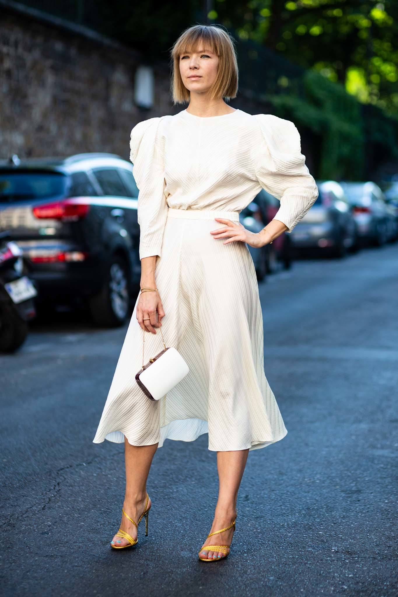summer chic street style blunt bob with bangs