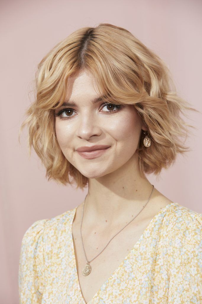 Bangs For Round Faces 34 Flattering Looks We Love All Things Hair Us