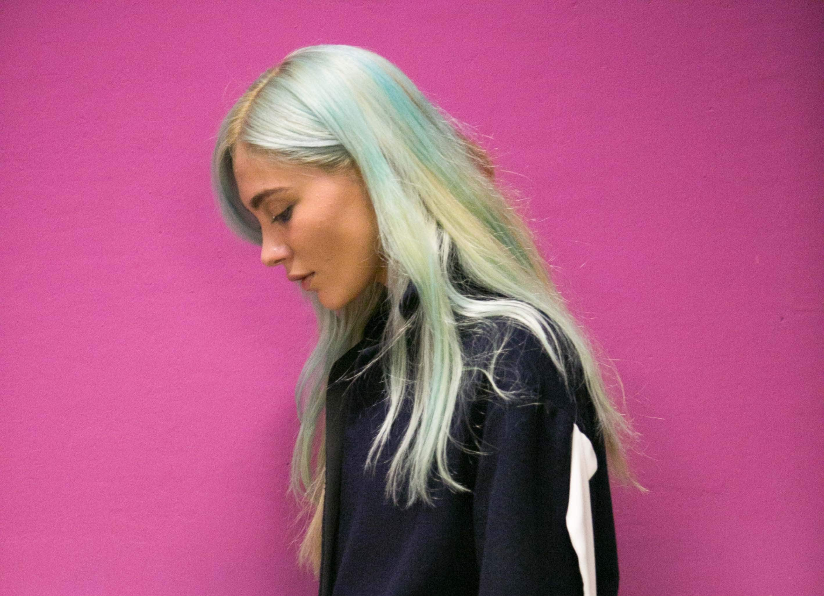 pastel hair colours blue highlights