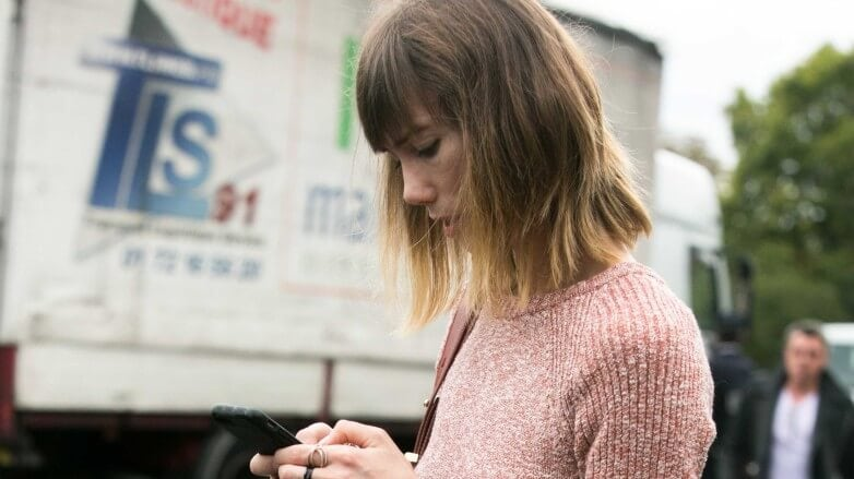 blonde ombre long bob haircut with fringe street style