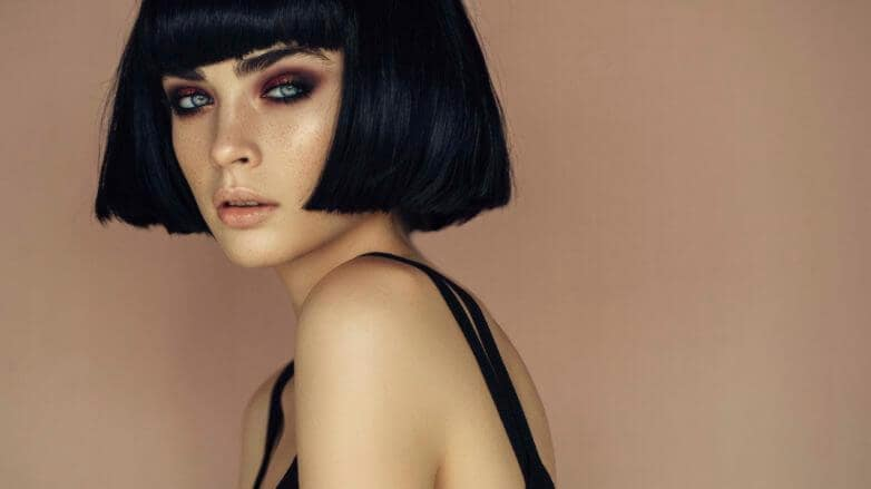 blunt-bob-hairstyle-for-long-faces