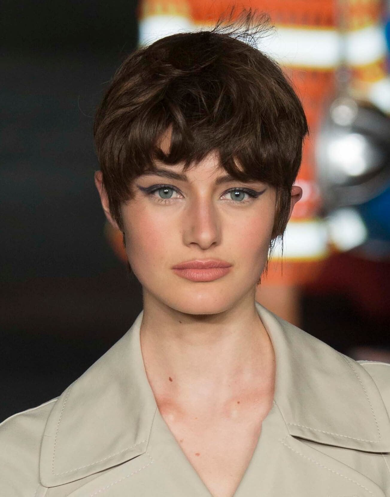 Dark pixie hairstyles for round faces