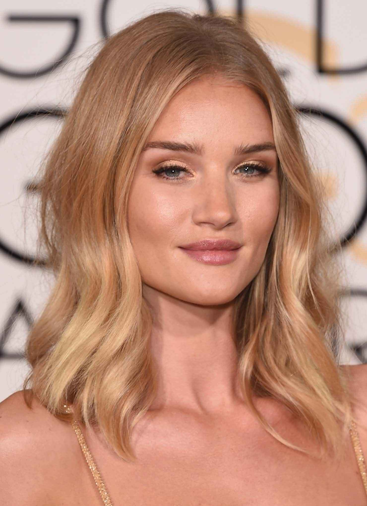 blonde rose gold balayage pink hair rosie huntington whiteley