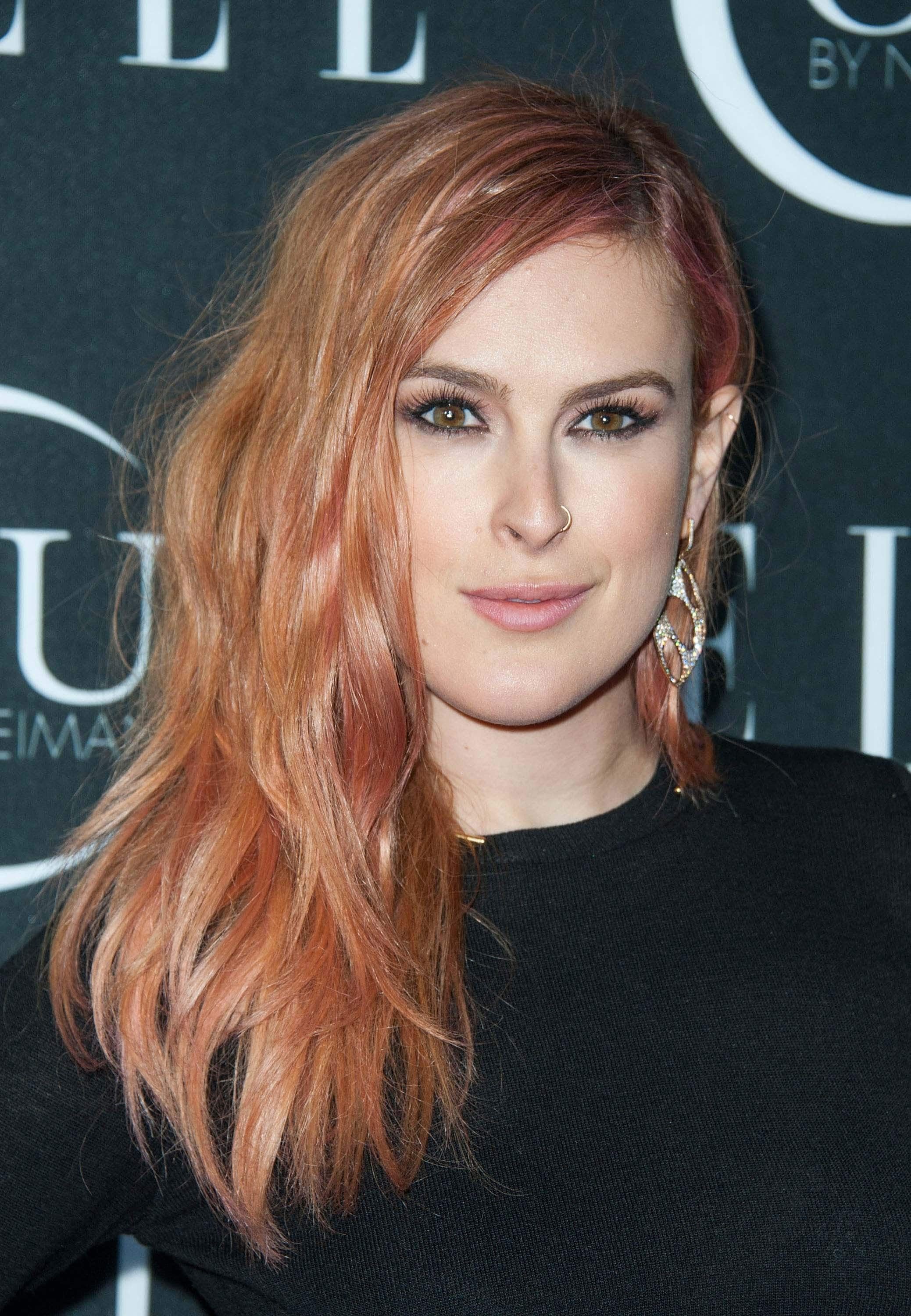 Rumer Willis rose gold pink hair