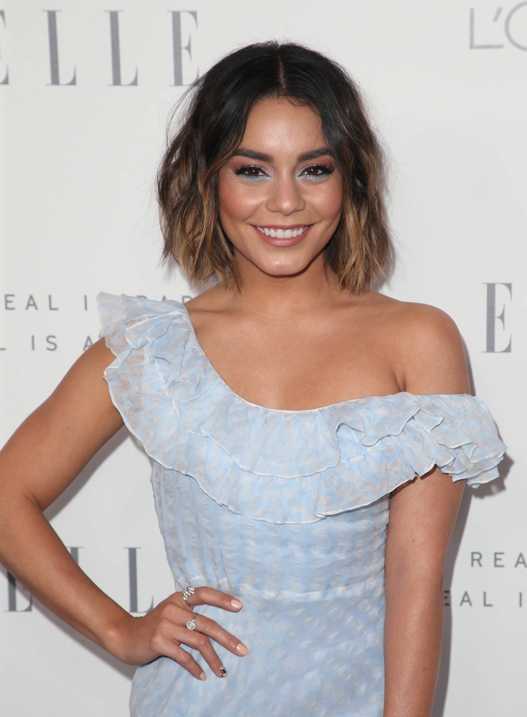 vanessa hudgens shoulder length dark hair with ombre highlights