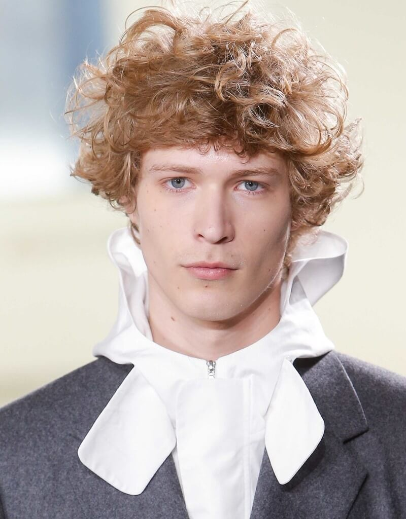 best men's hairstyles blonde natural curly textures