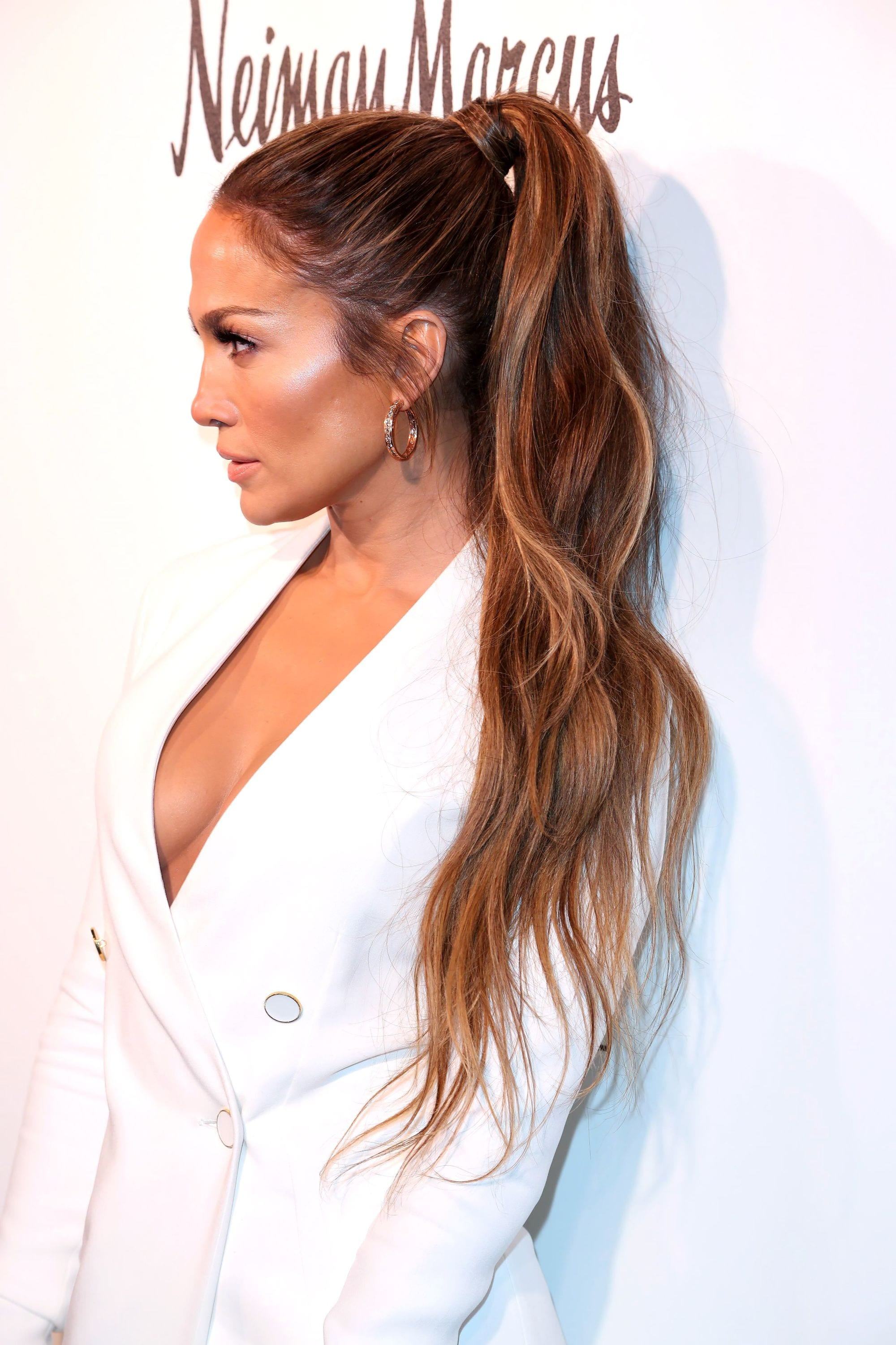 jennifer lopez with wavy high ponytail hairstyle