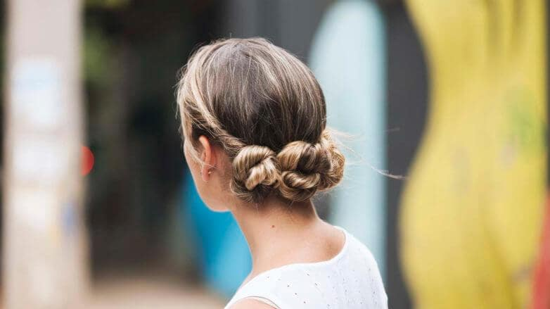 blonde-easy-knot-updo