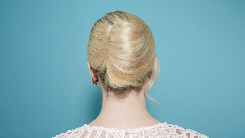 How To Do A French Twist In 7 Easy Steps