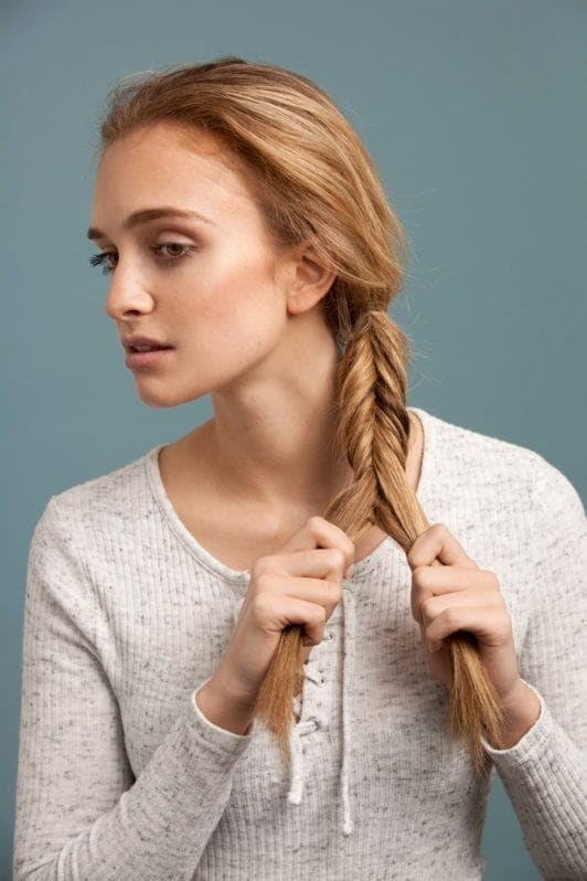 How to make an inverted fishtail plait: step 4