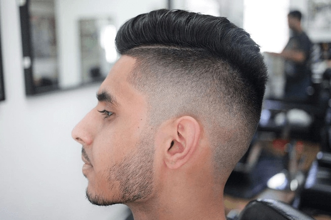Mohawk hairstyles for men: the classic with side part shaves