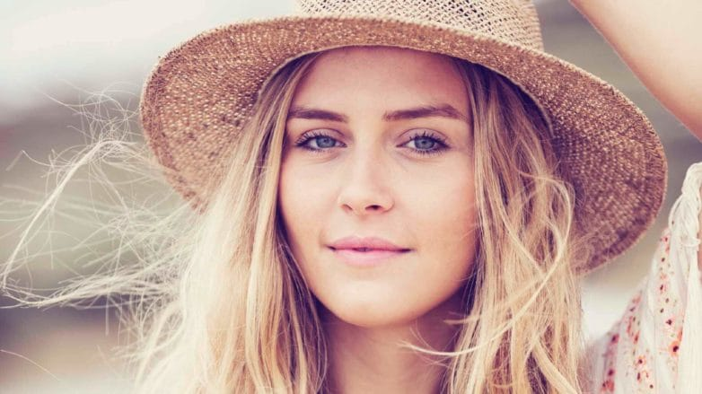 how to keep hair healthy on holiday