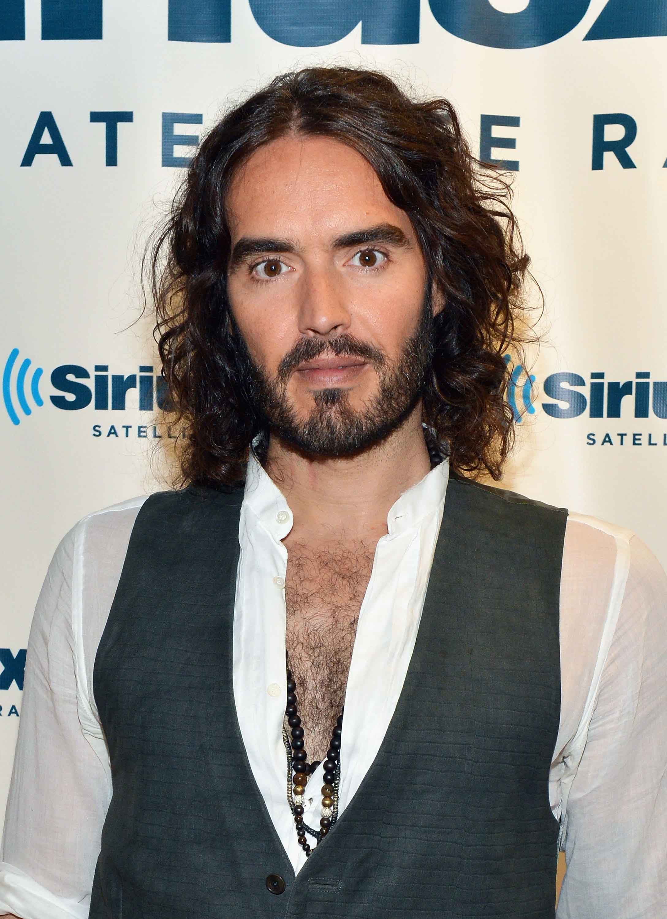 8 Celebrity Men With Long Hair You Need To Copy Inspo Gallery