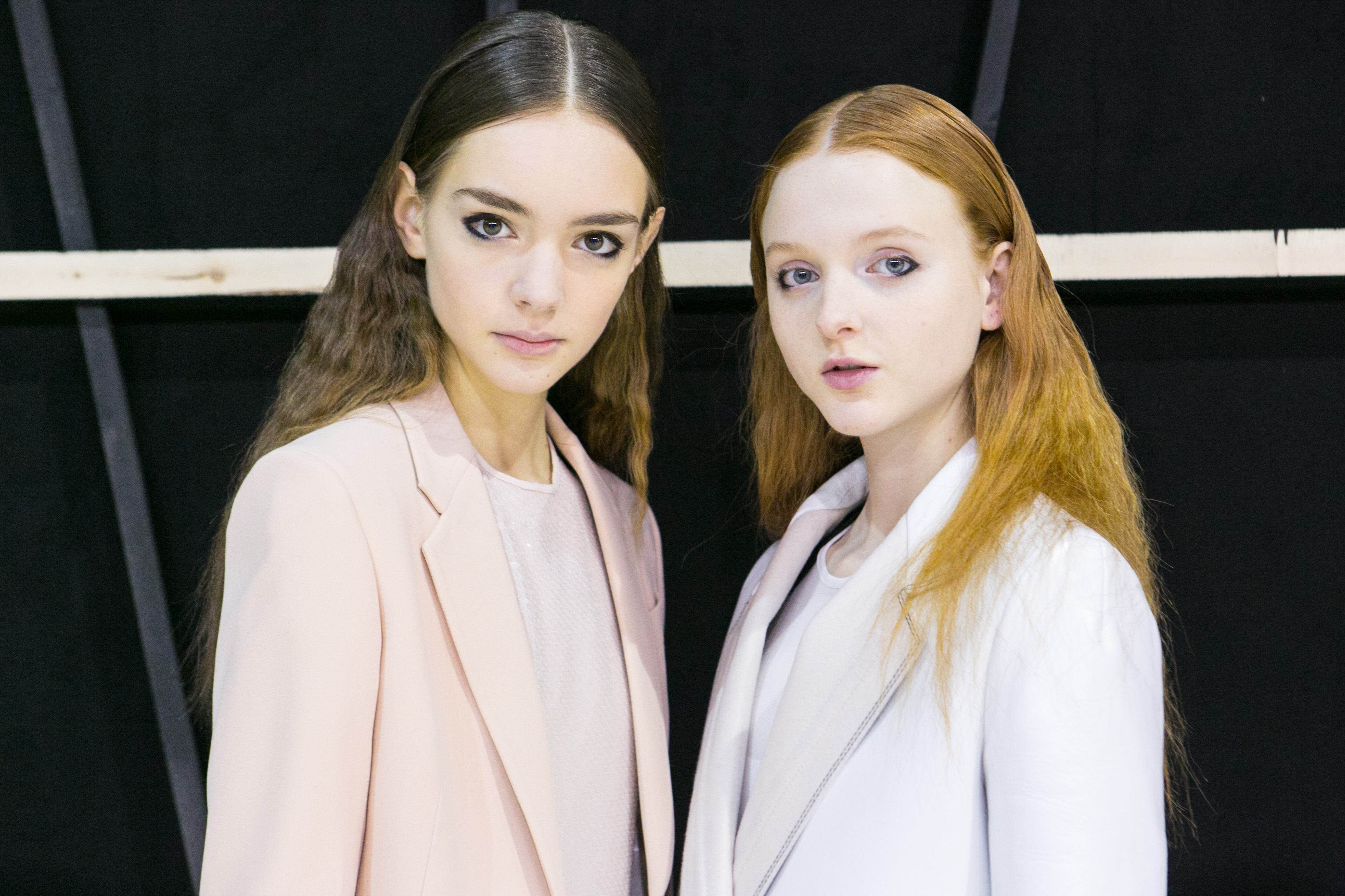 Hair Parting: group shot of two women middle-parting-brown red aquilano rimondi