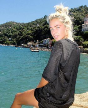 jess woodley peach hair pastel colour