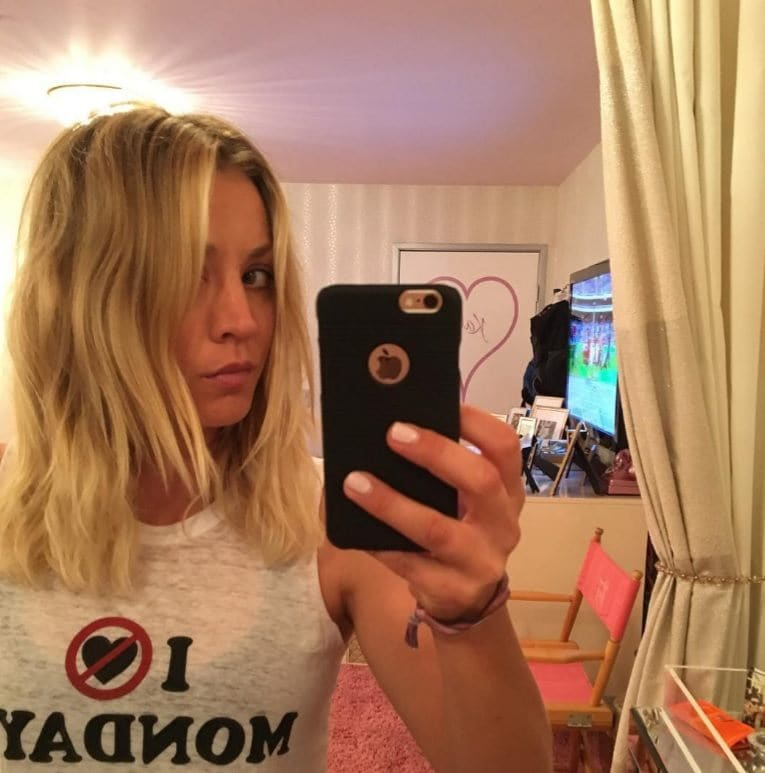 Kaley Cuoco Has Short Hair And It S For The Big Bang Theory