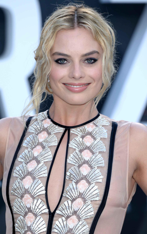 Margot Robbie hairstyles: crimped updo