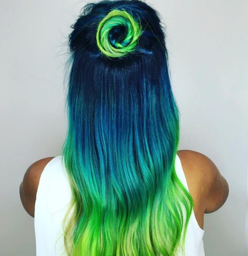 Peacock hair colour viral trend