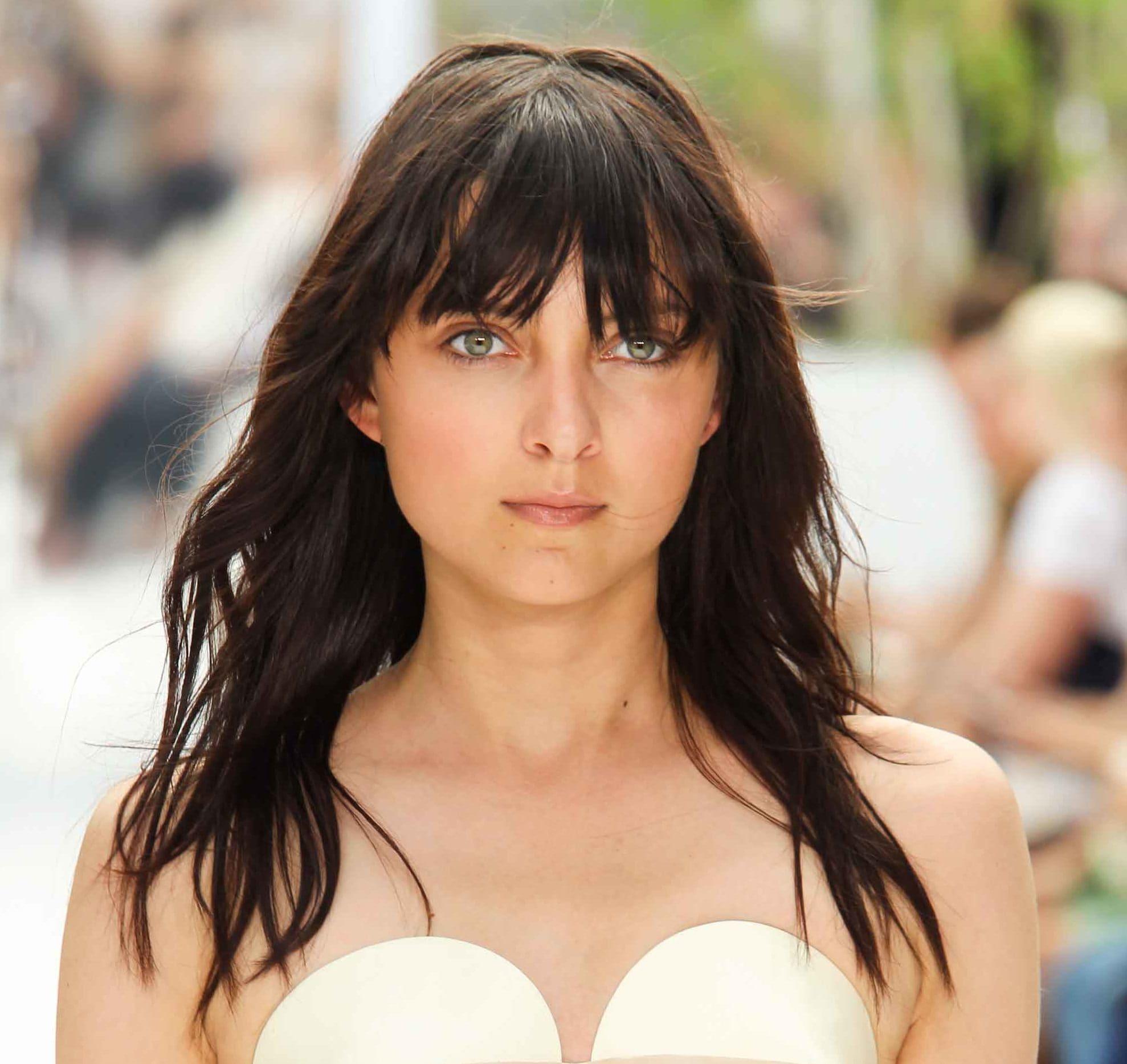 Medium Length Hair Cuts That Will Add Oomph To Fine Hair