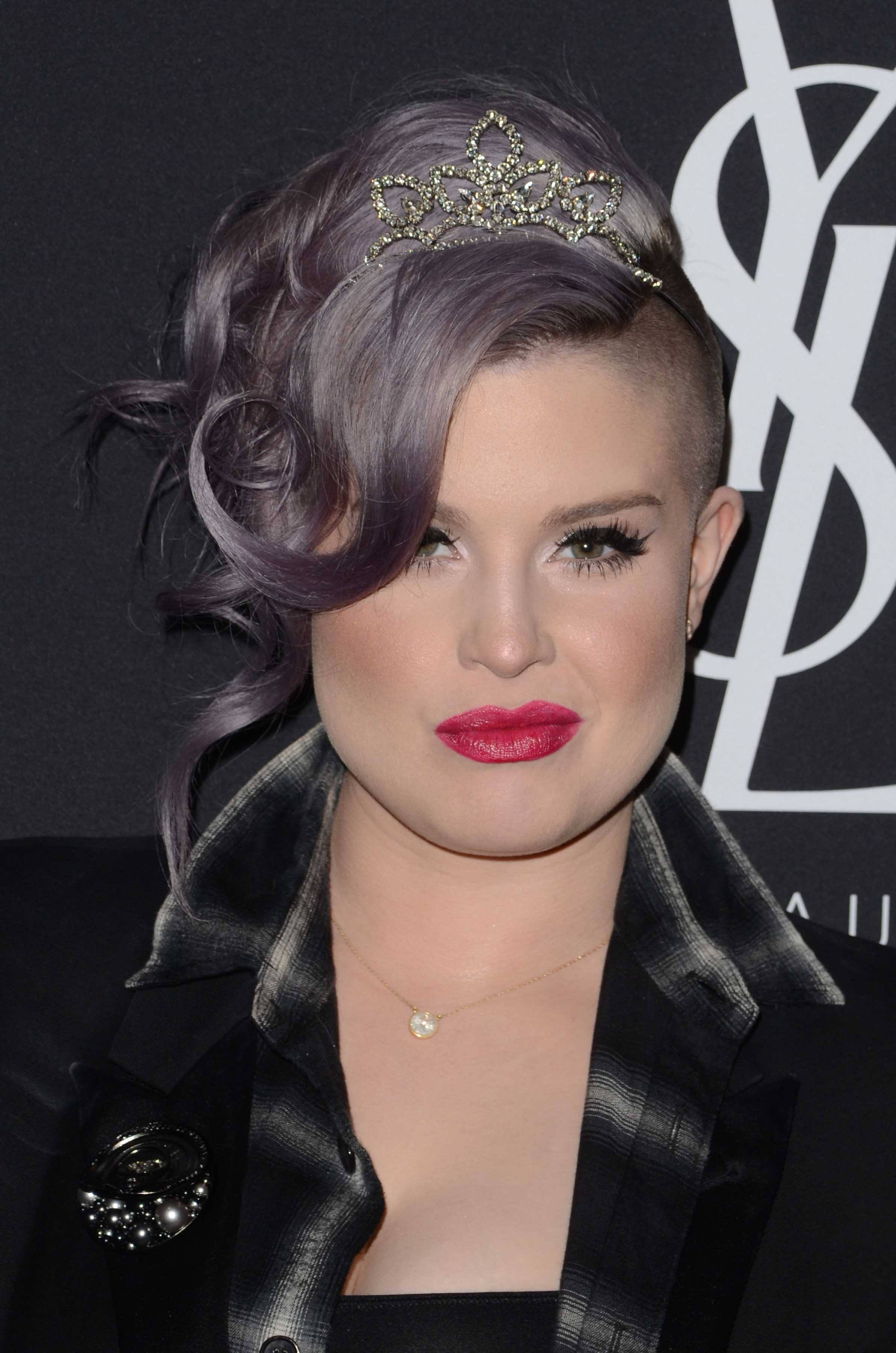 hair accessories 2016: All Things Hair - IMAGE - celebrity hairstyles Kelly Osbourne purple silver wavy updo