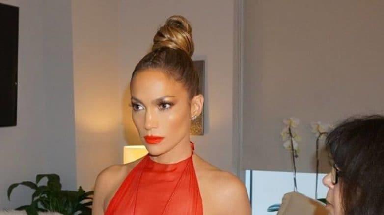 Jennifer Lopez with top knot