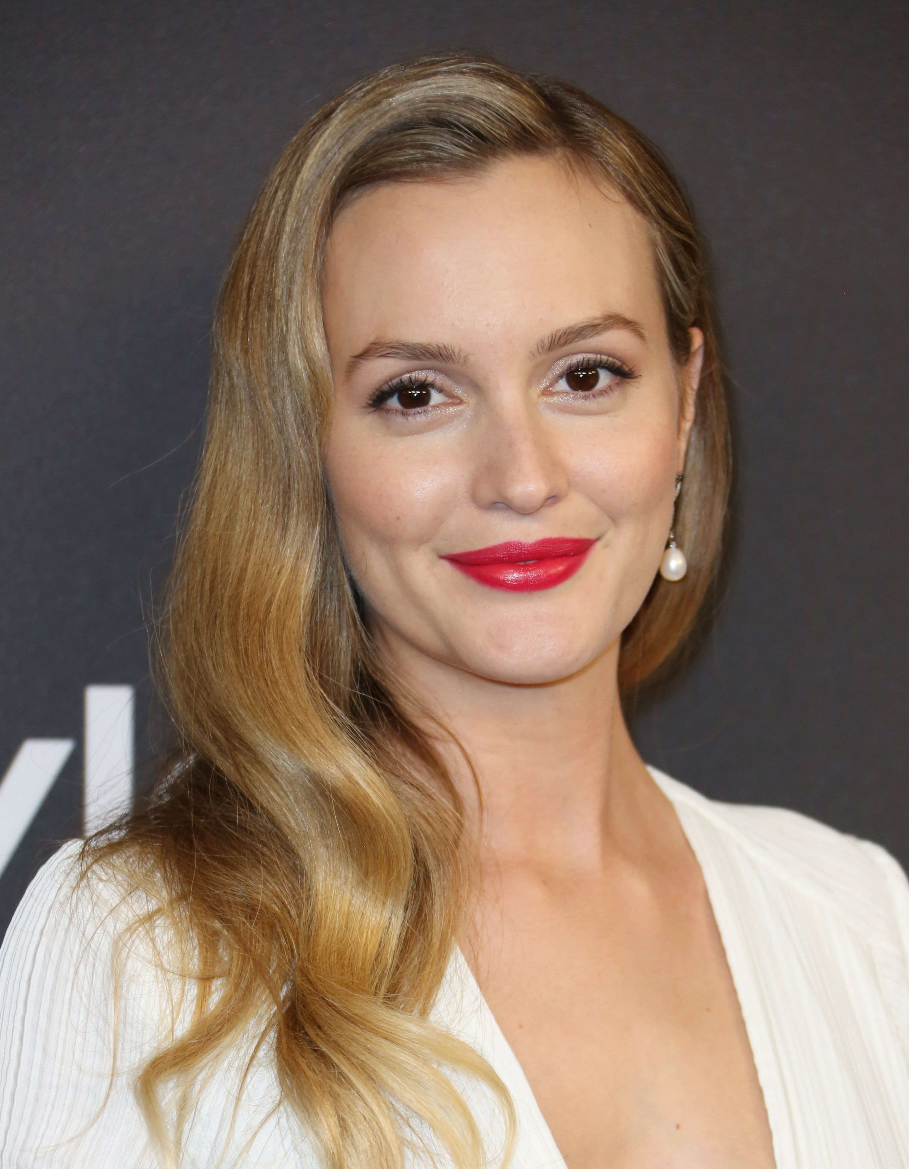Leighton Meester golden blonde hair waves