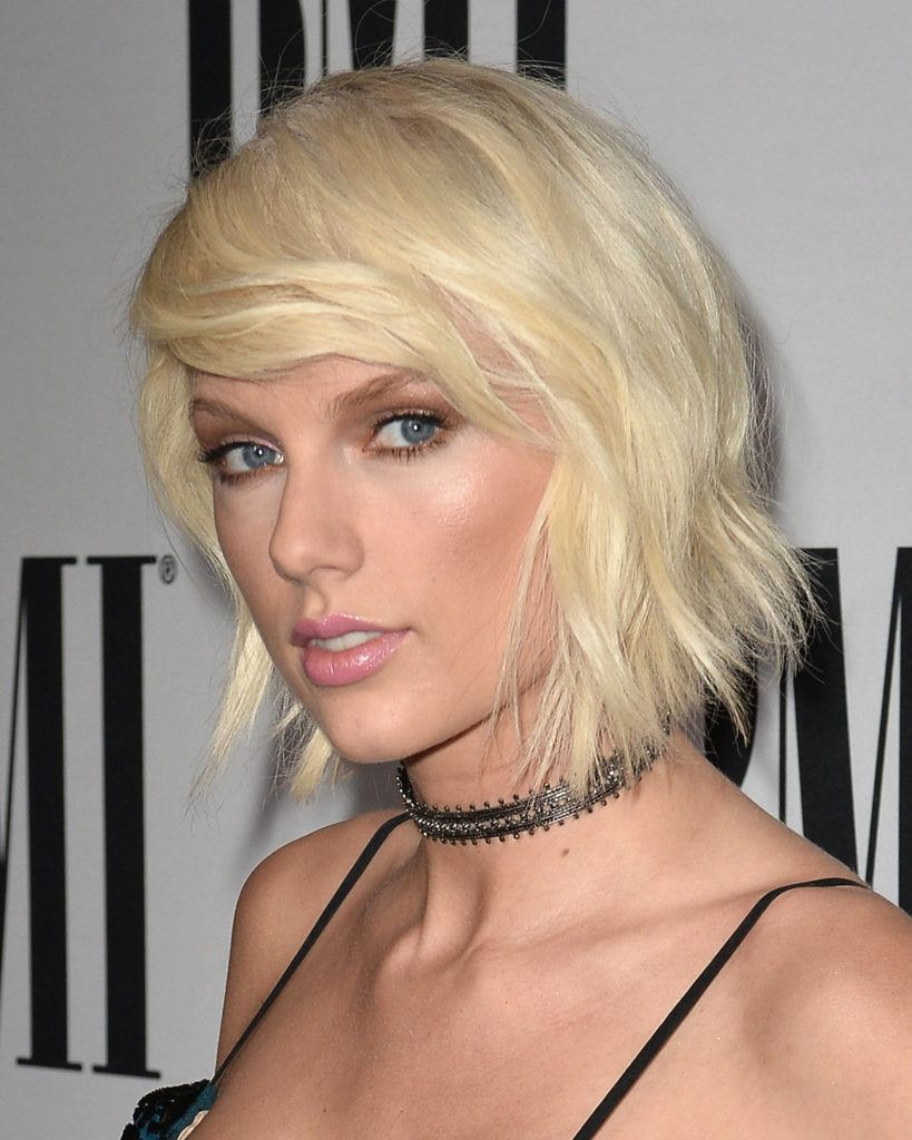 image of Taylor Swift with short blonde hair