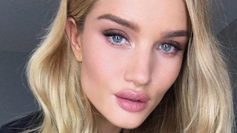 Rosie Huntington-Whiteley with long wavy blonde hair
