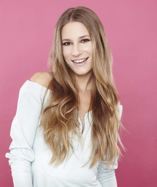 girl with long wavy light brown hair