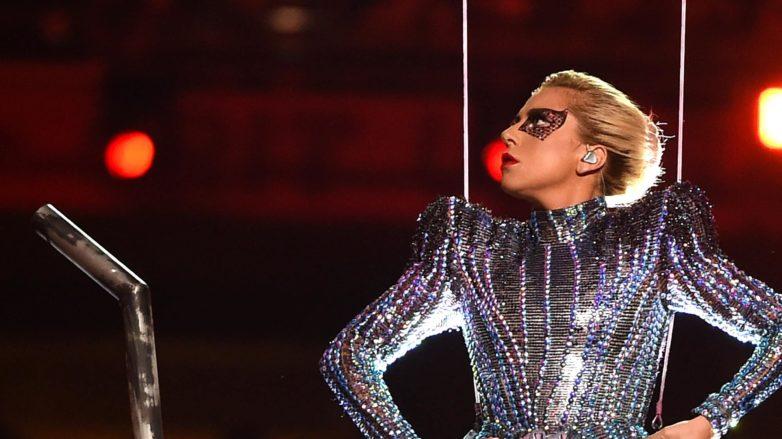 Lady Gaga Super Bowl 51 hairstyle blonde updo