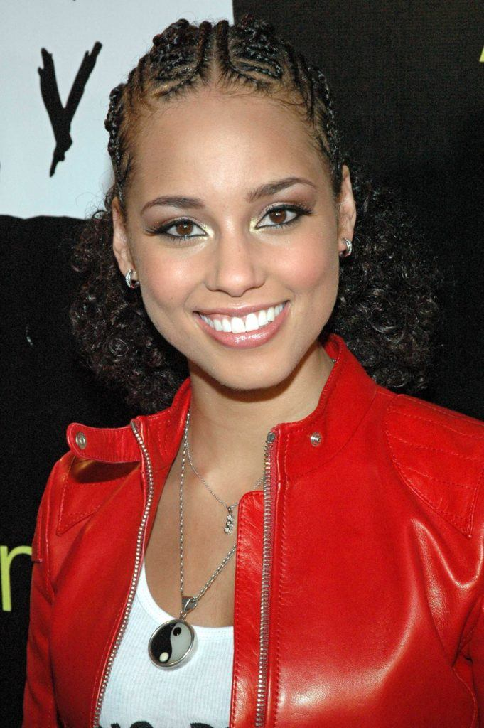 alicia keys with tree braids and curly hair