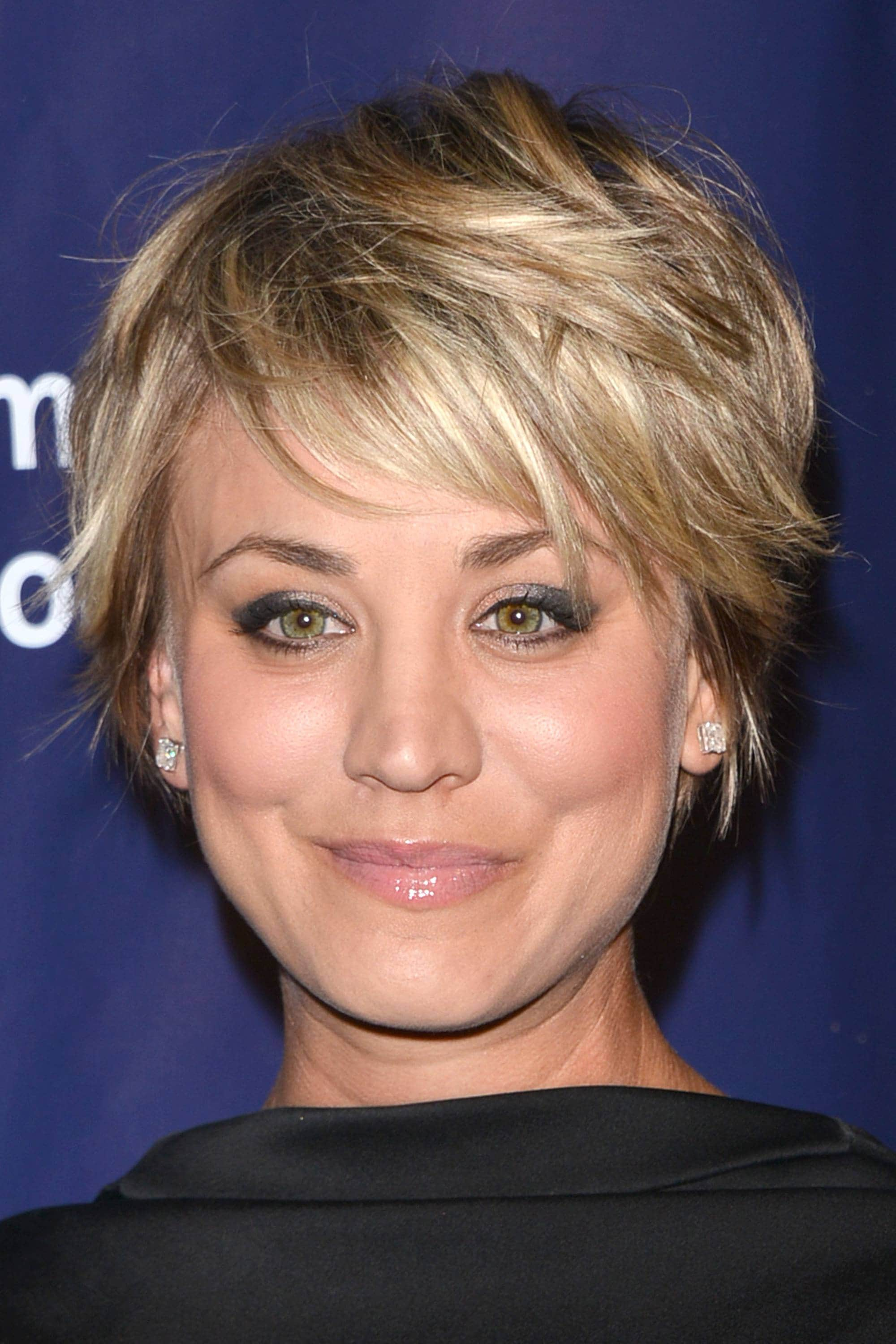 Choppy hair - Kaley Cuoco - Blonde highlighted pixie