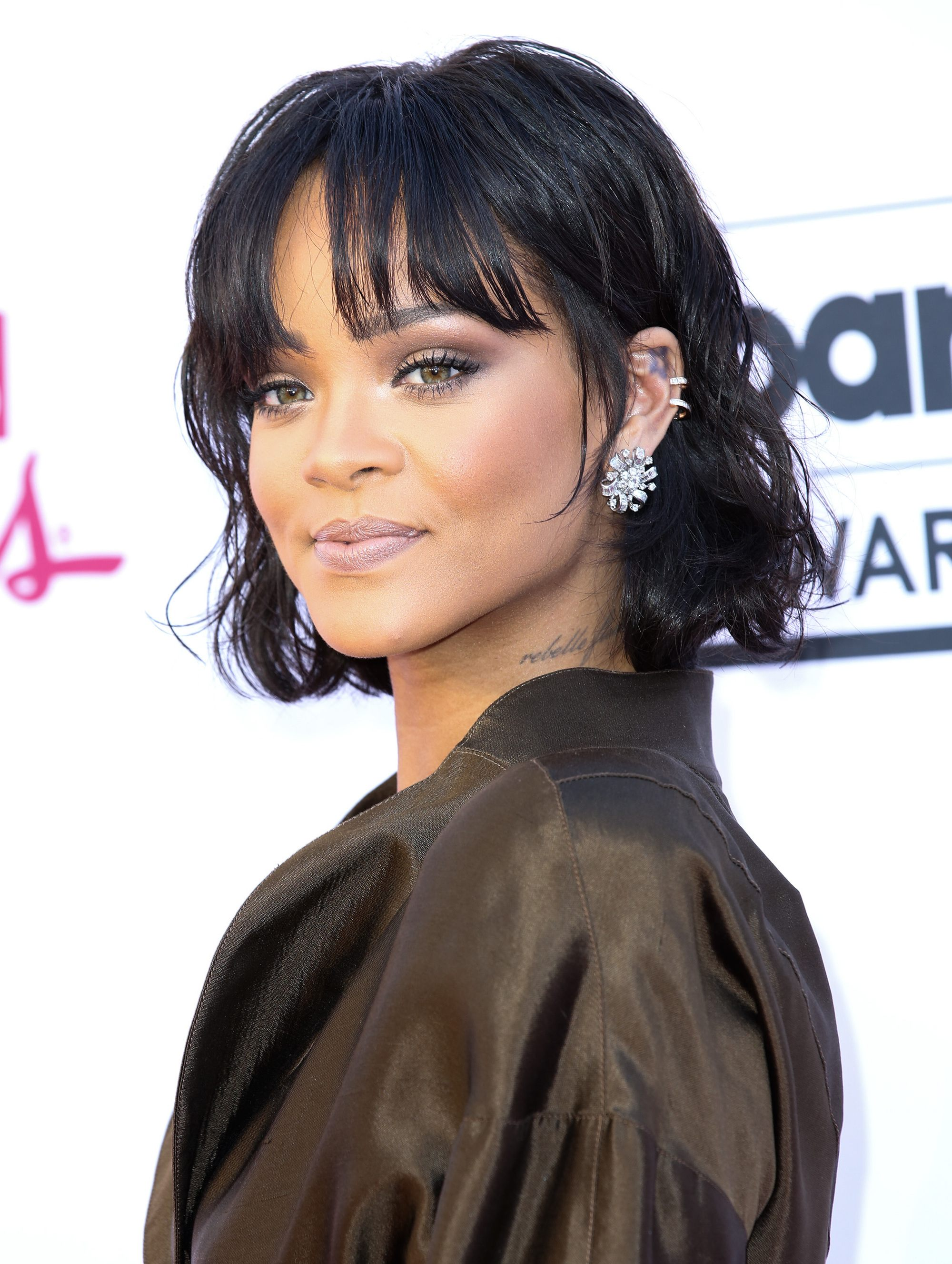 21 Easy Hairstyles For Short Curly Hair