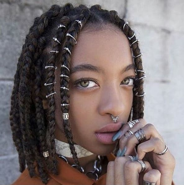 how to style thick box braids: use some hair jewellery - Instagram