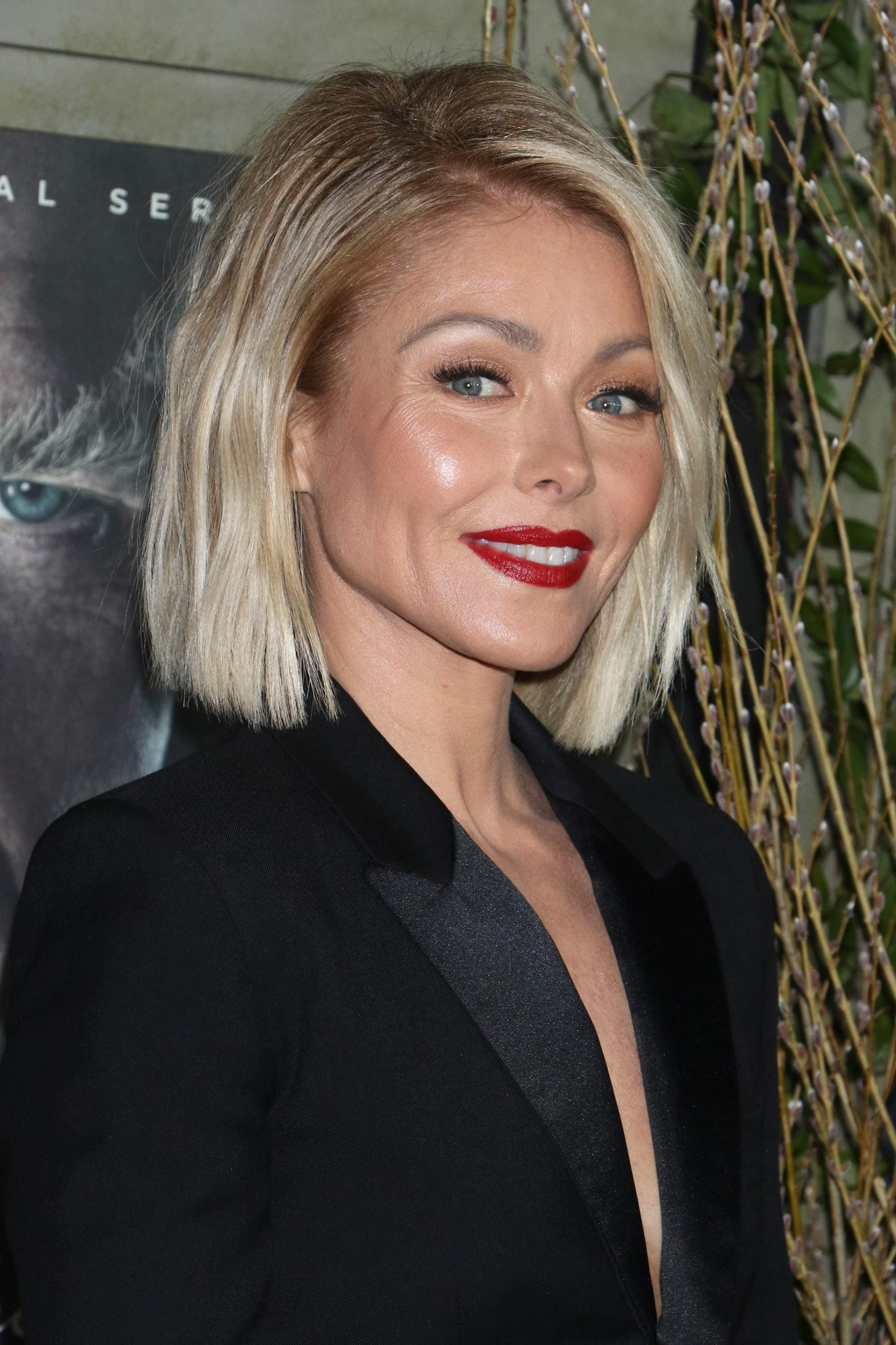 21 Best Short Hairstyles For Women Over 40