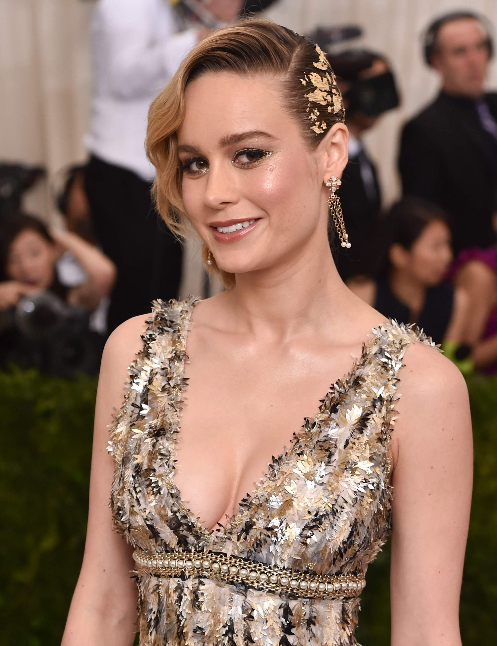 brie larson with gold hair foiling at the met gala event 2017